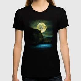 The Moon and the Tree. T-shirt