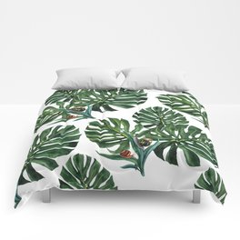 Monstera leaf with snails Comforters