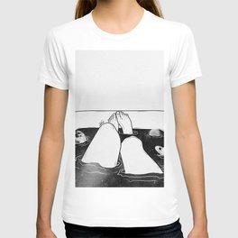 Magical bath tube. T-shirt