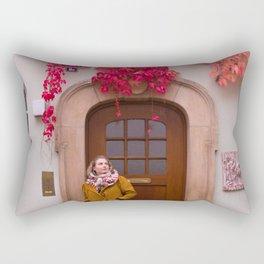 Tati matches the Autumn Rectangular Pillow