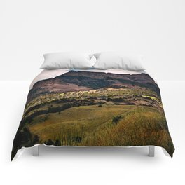 Journey to the Kings Castle Comforters