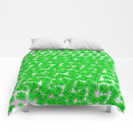 Abstract four leaf clover pattern on texture Comforters