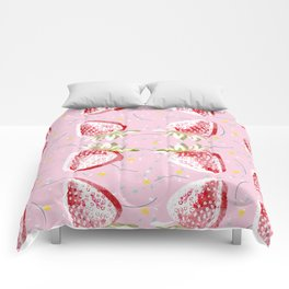 Strawberries Fiesta Pattern Comforters