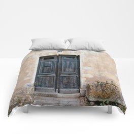 Old fashioned door Comforters