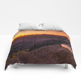Great wall sunset Comforters