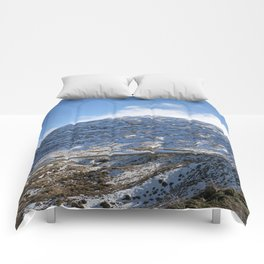 The Drive to Cardrona Ski Fields from Queenstown, New Zealand Comforters