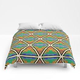 Pyramitile 3 (Repeating 1) Comforters