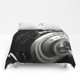 fstop macro Comforters