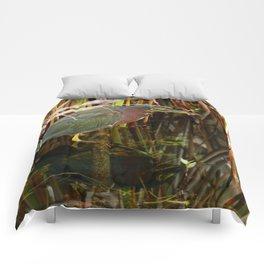 Beautiful Green Heron Comforters