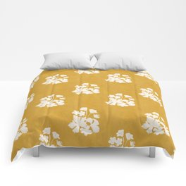 Wild Geraniums in Yellow Comforters