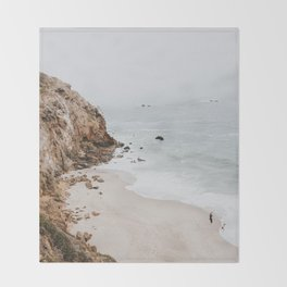 malibu coast / california Throw Blanket