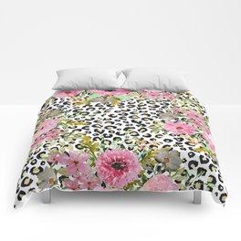 Elegant leopard print and floral design Comforters