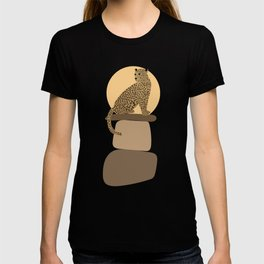 Leopard on the rocks T-shirt
