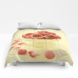 vinatge roses Comforters