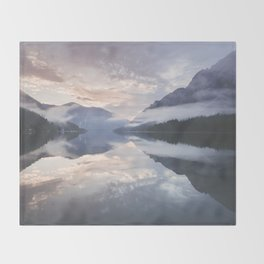 Mornings like this - Landscape and Nature Photography Throw Blanket