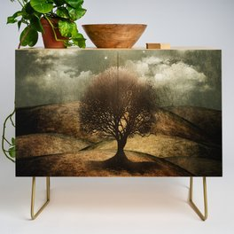 Once upon a time... The lone tree. Credenza