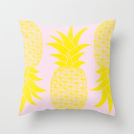 Ananas baby pink Throw Pillow