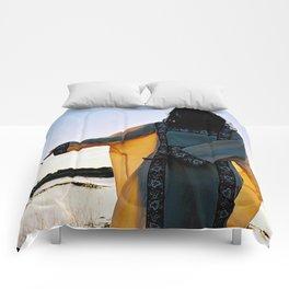 WAYUU YOUNG NATIVE LADY Comforters