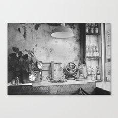 Seen in Lower Manhattan  Canvas Print