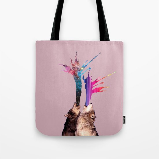 wolves howling Tote Bag