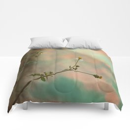 Simple Flowers Comforters