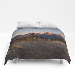 Moulton Barn - Sunrise in Grand Tetons Comforters