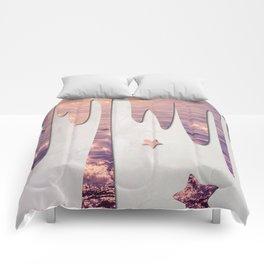 Glittery Purple Ocean Dripping on Grunge White Wall Comforters