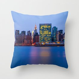 Beginning of the night over Manhattan Throw Pillow