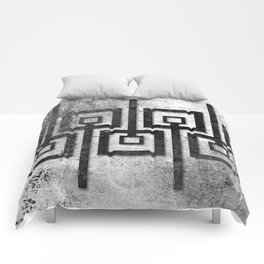 Order in Abstract IV Comforters