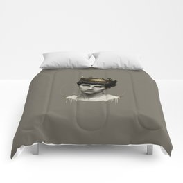 THE GOLDEN KING Comforters