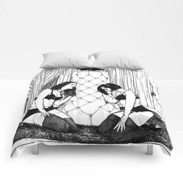 asc 554 - Les femmes de Carlo (The Eye watching over his women) Comforters