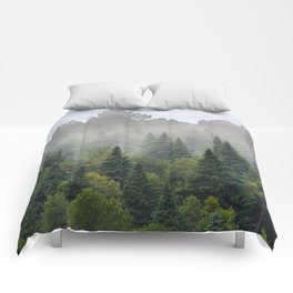 """""""Dream forest"""" Endemig trees into the fog Comforters"""