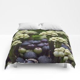 Green Aralia Flowers Comforters