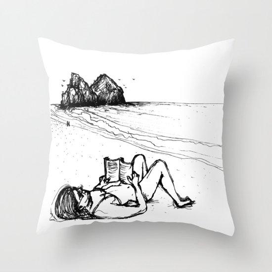 fafá de noronha Throw Pillow
