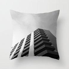angular fade Throw Pillow