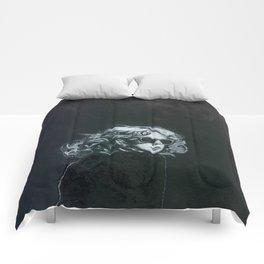 Little Sips - A Portrait of Drew Barrymore Comforters