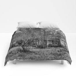 Disturbance At The Heron House - Black And White Comforters