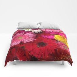 FLOWERS ALL AROUND Comforters
