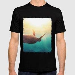 Sea Turtle - Underwater Nature Photography T-shirt