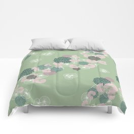 Floral Seamless Pattern on Green Comforters