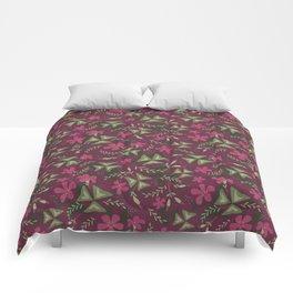 Shamrock Floral Layered Pattern / Purple Comforters