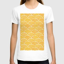 Japanese Seigaiha Wave – Marigold Palette T-shirt