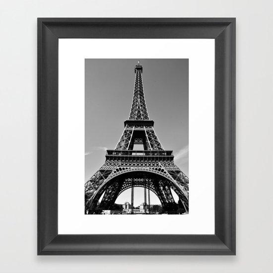 Tower Eiffel En Noir Framed Art Print