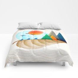 074 - Autumn leaf minimal landscape II Comforters