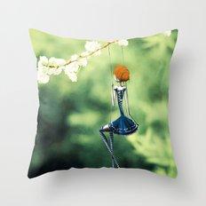 La Balançoire Throw Pillow