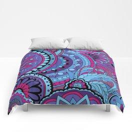 Pattern with violet mandalas Comforters