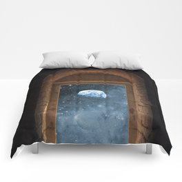 DOOR TO THE UNIVERSE Comforters