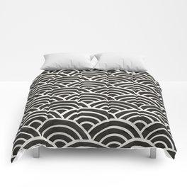 Japanese Seigaiha Wave – Black & White Palette Comforters