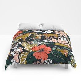 Animal print dark jungle Comforters