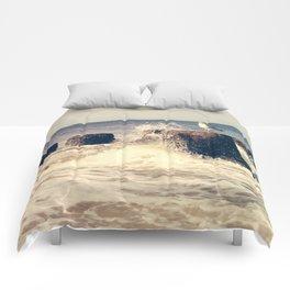 Seagull on stump Comforters